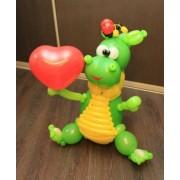 Динозаврик с сердечком